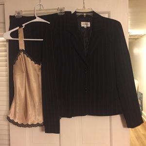Ladies 3 piece suit